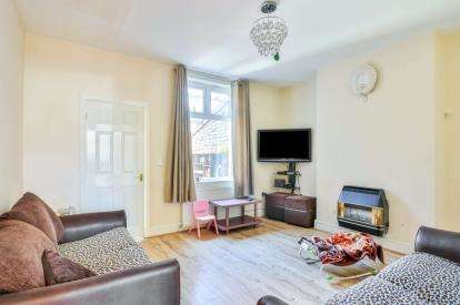 3 Bedrooms Terraced House for sale in Veevers Street, Brierfield, Lancashire, BB9