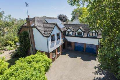 5 Bedrooms Detached House for sale in Fowlmere, Royston, Cambridgeshire