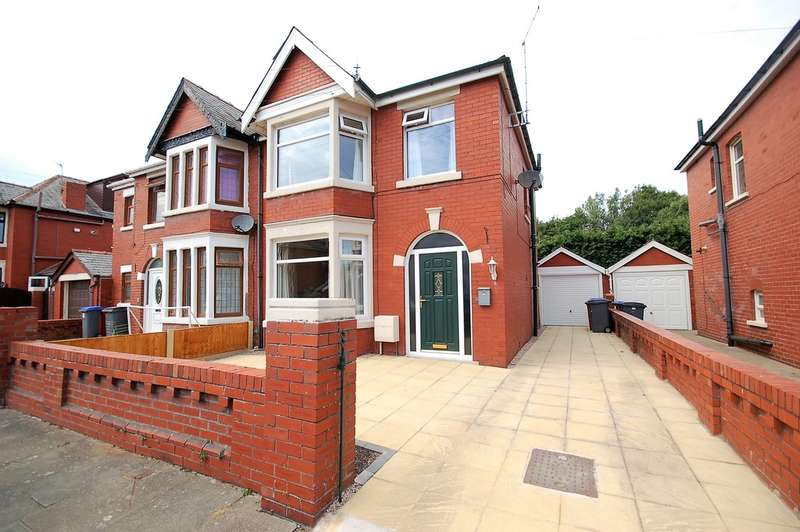 3 Bedrooms Semi Detached House for sale in Chiltern Avenue, Blackpool