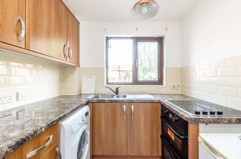 1 Bedroom House for sale in York Close, Beckton, E6