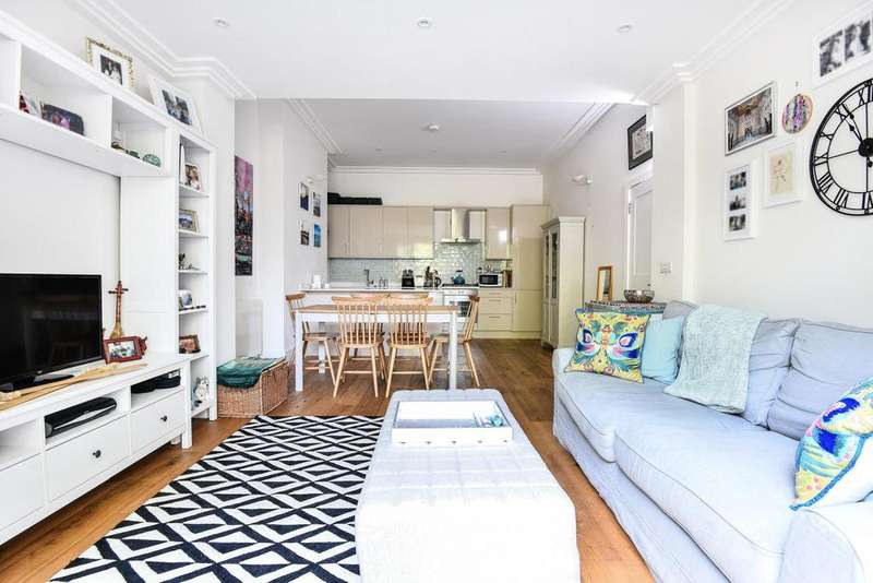 2 Bedrooms Flat for sale in Balham High Road, Balham