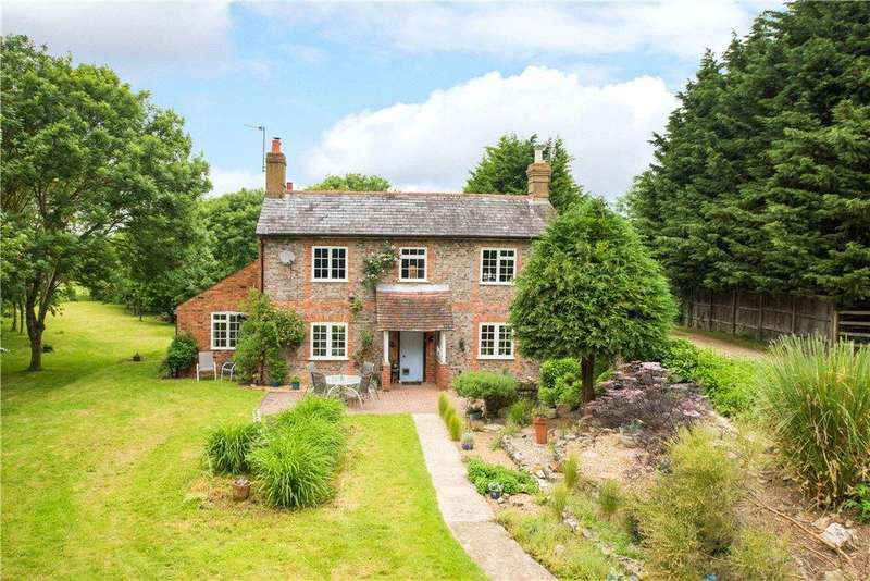 5 Bedrooms Detached House for sale in Cuddington Road, Dinton, Aylesbury, Buckinghamshire