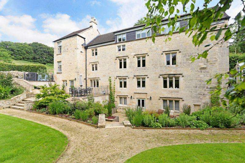 5 Bedrooms Detached House for sale in Edge Road, Painswick
