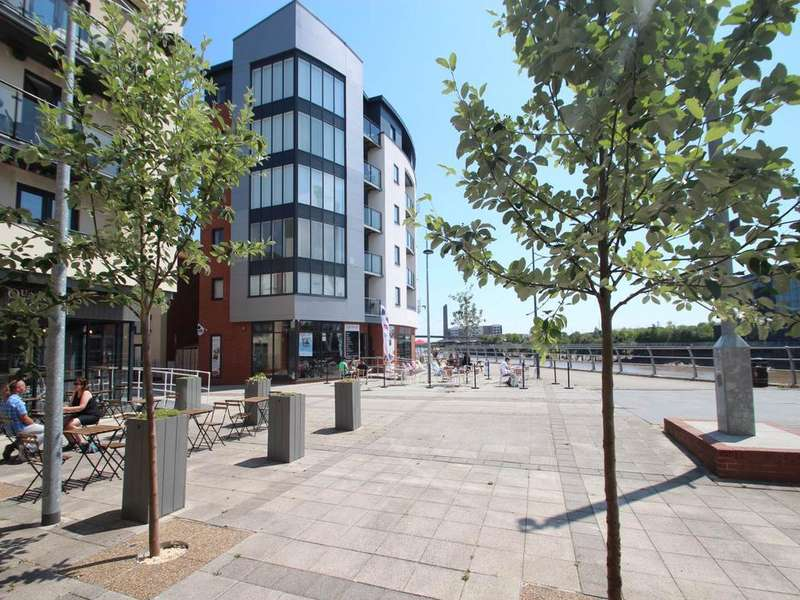 2 Bedrooms Flat for sale in Riverfront, Newport,