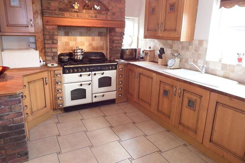 4 Bedrooms Detached House for sale in Broadgate, Whaplode Drove, PE12