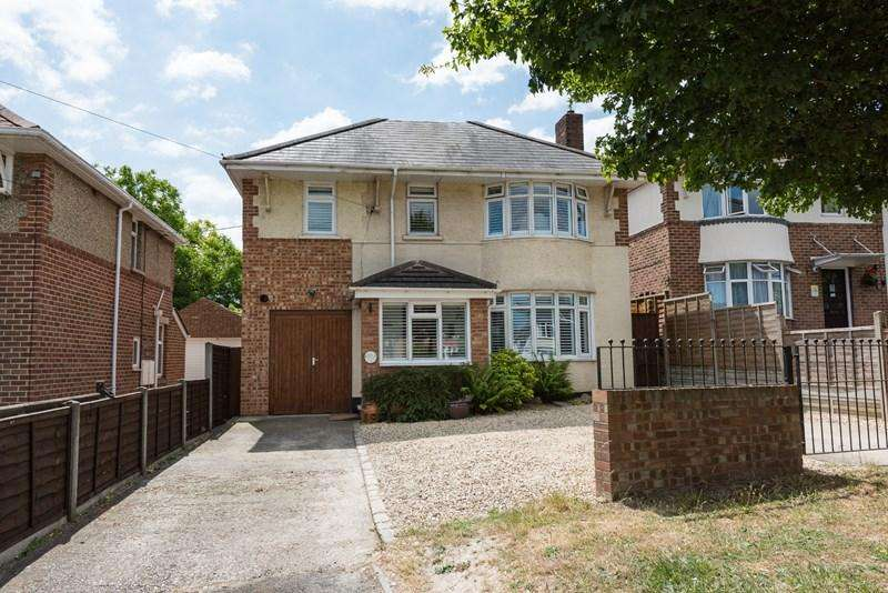 4 Bedrooms Detached House for sale in Salisbury Road, Andover