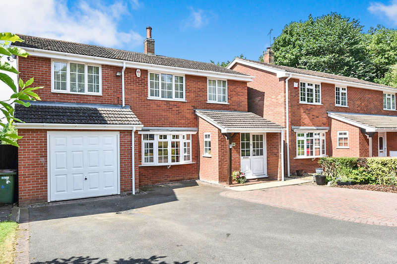 4 Bedrooms Detached House for sale in Hall Close, Blackfordby, Swadlincote, DE11