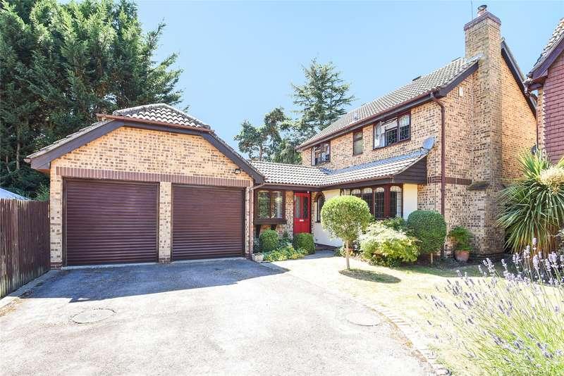 4 Bedrooms Detached House for sale in Albany Park Drive, Winnersh, Wokingham, Berkshire, RG41