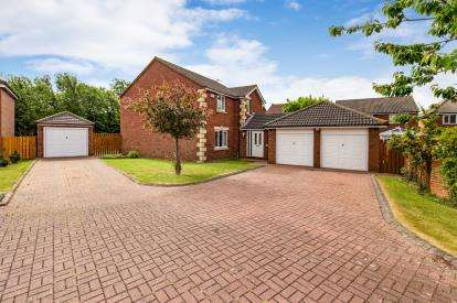 4 Bedrooms Detached House for sale in Kinmel Close, Redcar, North Yorkshire, .