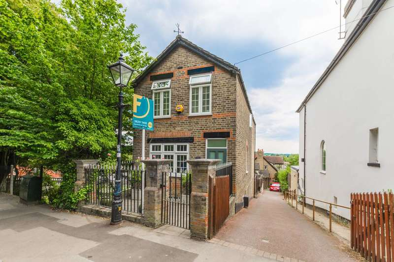 3 Bedrooms Detached House for sale in Staples Road, Loughton, IG10