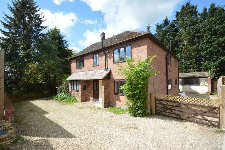 4 Bedrooms Detached House for sale in Rectory Meadow, St Peters View, Sible Hedingham, Halstead CO9