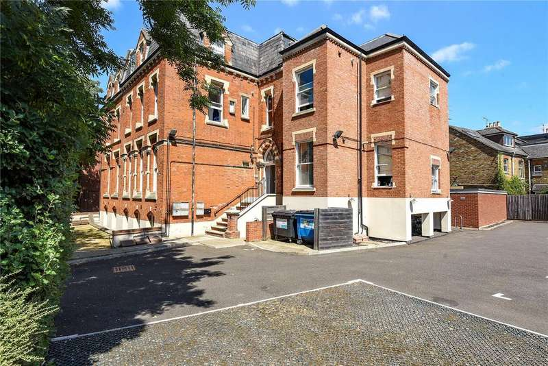 Studio Flat for sale in Ridings House, 66-68 Alma Road, Windsor, Berkshire, SL4