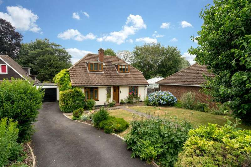 4 Bedrooms Detached House for sale in The Meads, Northchurch, Berkhamsted HP4