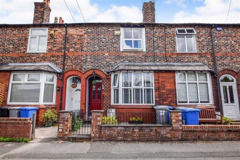 3 Bedrooms Terraced House for sale in Brentwood Avenue, Altrincham, Cheshire, WA14