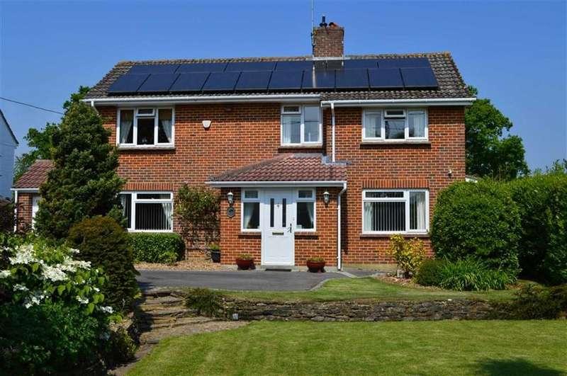 4 Bedrooms Detached House for sale in Holt Lane, Wimborne, Dorset