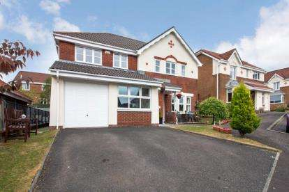 5 Bedrooms Detached House for sale in Ratho Drive, Carrickstone