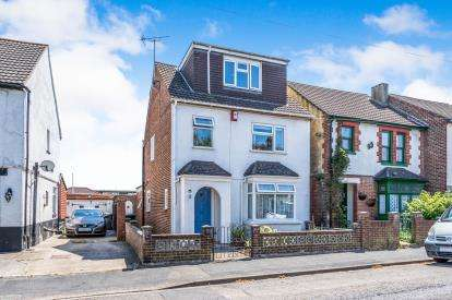 4 Bedrooms Detached House for sale in Gosport, Hampshire, .