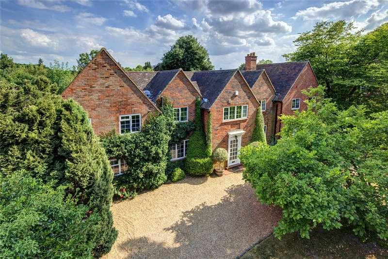 5 Bedrooms Detached House for sale in Mill Lane, Gerrards Cross, Buckinghamshire, SL9