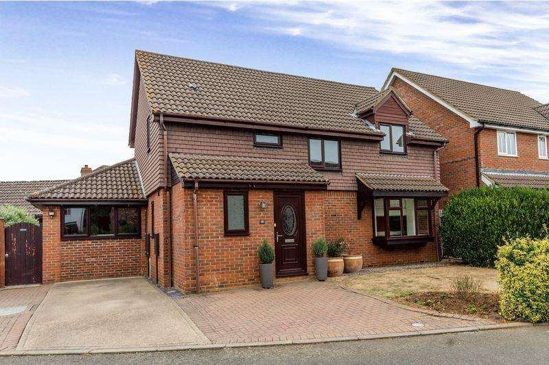 4 Bedrooms Detached House for sale in Owl Way, Hartford, Huntingdon, Cambridgeshire.
