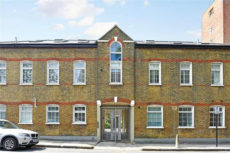 3 Bedrooms Flat for sale in Catherine Grove, London