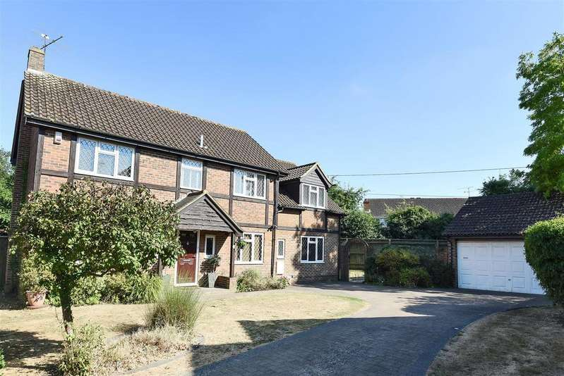 5 Bedrooms Detached House for sale in Clarendon Close, Winnersh, Berkshire RG41 5JW