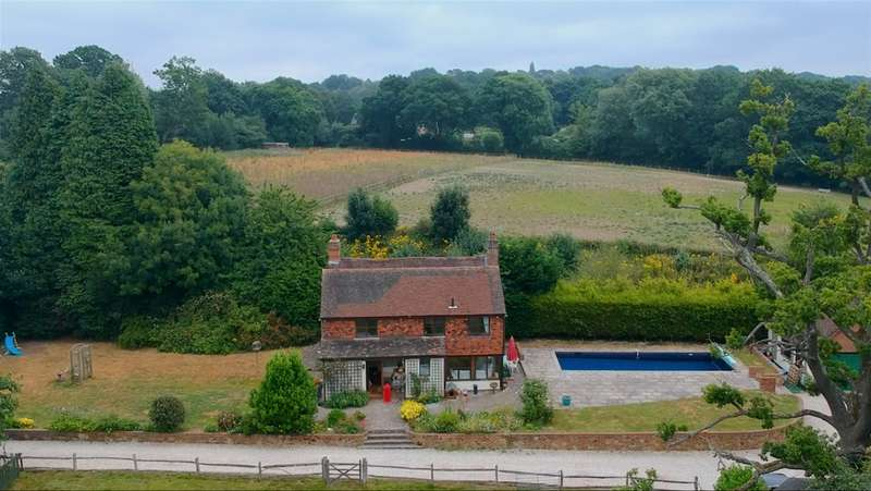 4 Bedrooms Property for sale in Blackberry Lane, Dormansland