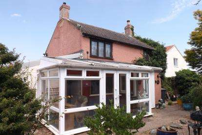 2 Bedrooms Detached House for sale in The Fields, Langford, Biggleswade, Bedfordshire