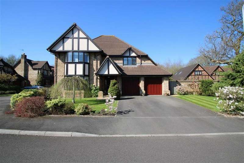 5 Bedrooms Detached House for sale in Clos Elphan, Old St Mellons, Cardiff