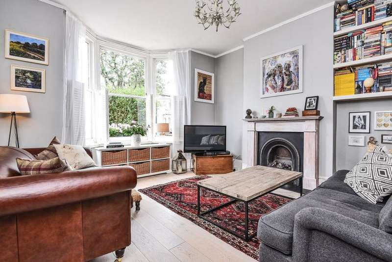 2 Bedrooms Flat for sale in Byrne Road, Balham