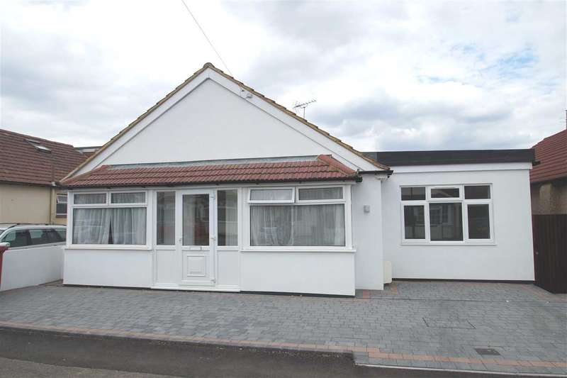 5 Bedrooms Detached House for sale in Masons Road, Cippenham