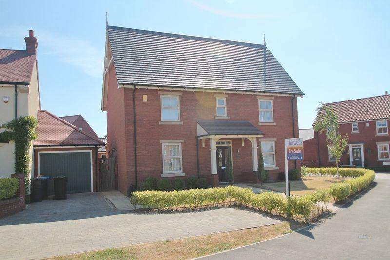 4 Bedrooms Detached House for sale in Ellerbeck Avenue, Nunthorpe