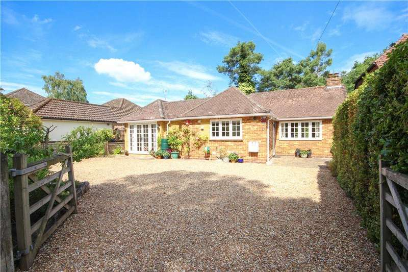 4 Bedrooms Detached House for sale in Award Road, Church Crookham, Fleet, GU52