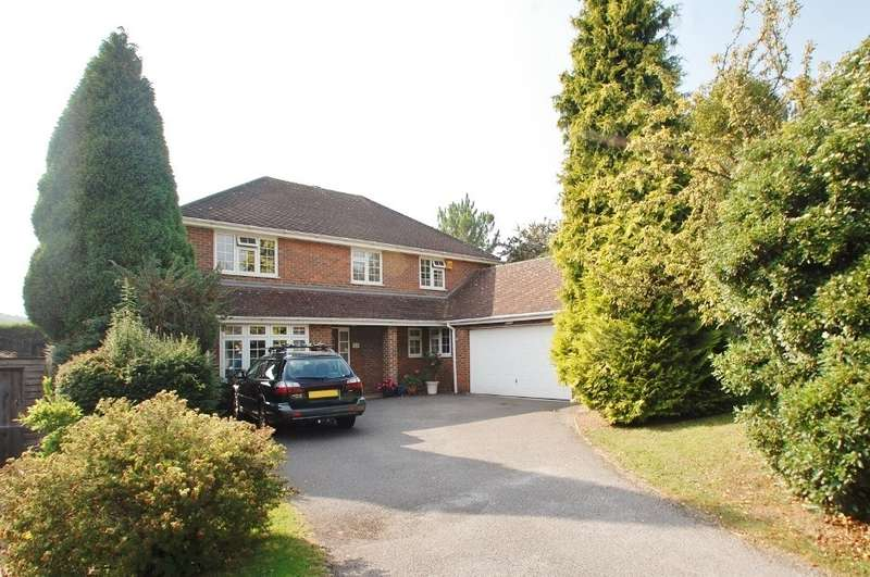 4 Bedrooms Detached House for sale in Clare Park, Amersham, HP7