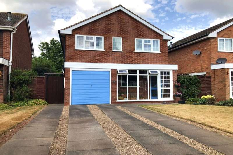 3 Bedrooms Detached House for sale in Burrow Hill Close, Castle Bromwich, Birmingham, B36