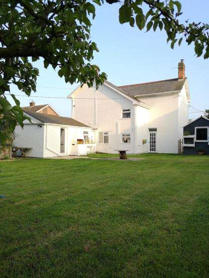 3 Bedrooms Detached House for sale in Great Hockham, Thetford, Norfolk
