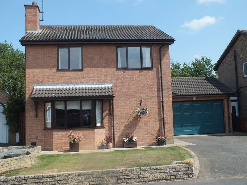 3 Bedrooms Detached House for sale in Saxon Close, Spalding