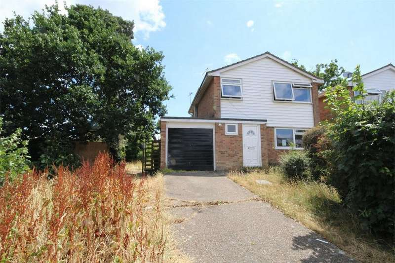 3 Bedrooms Detached House for sale in Holworth Close, BOURNEMOUTH, Dorset