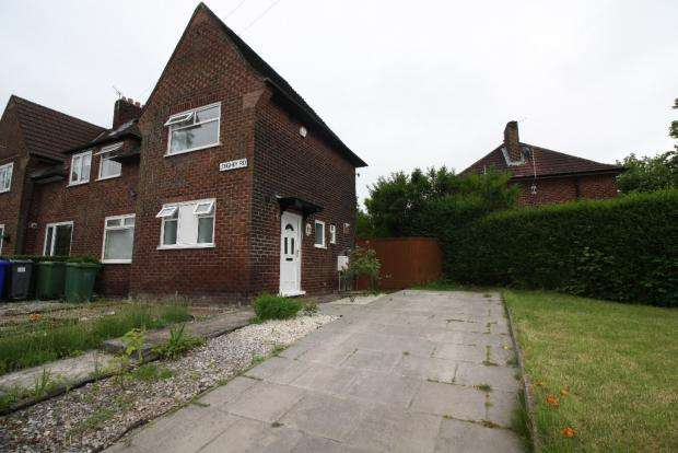 3 Bedrooms Semi Detached House for sale in longhey