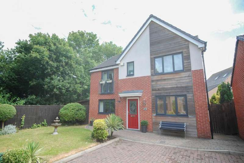 5 Bedrooms Detached House for sale in St Lukes Place, Hebburn
