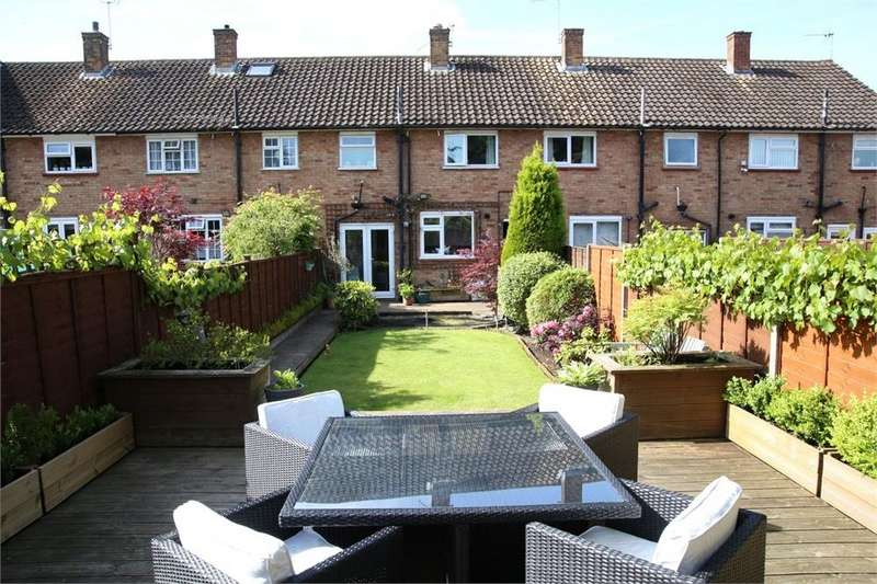 2 Bedrooms Terraced House for sale in Gosling Road, Langley, Berkshire