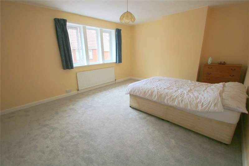 3 Bedrooms Terraced House for sale in Upper Perry Hill Southville Bristol BS3