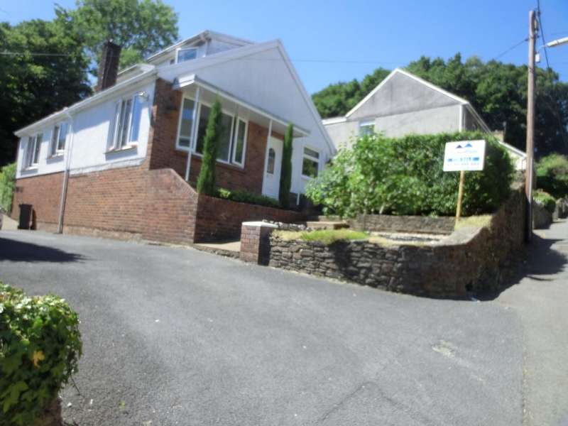 5 Bedrooms Detached House for sale in Glyn-Meirch Road, Trebanos, Swansea SA8 4AP