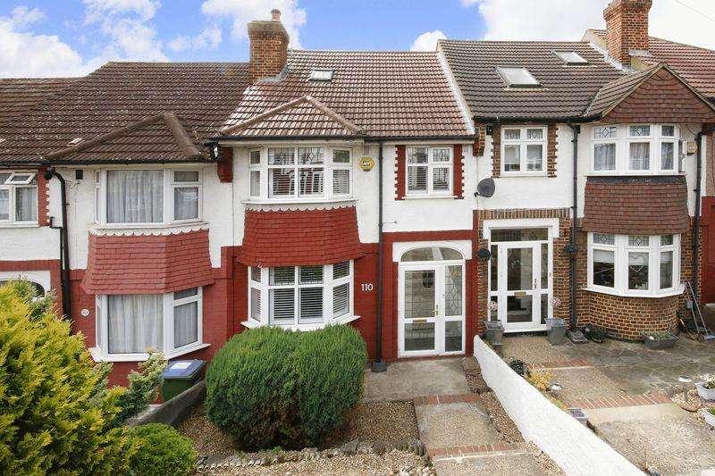 3 Bedrooms Terraced House for sale in Castlewood Drive, Eltham SE9