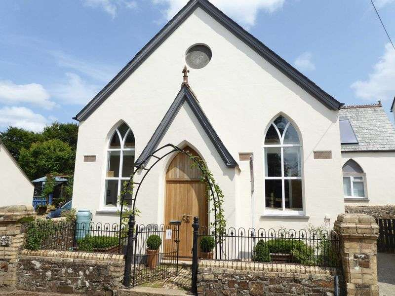 4 Bedrooms Property for sale in Northlew, Devon