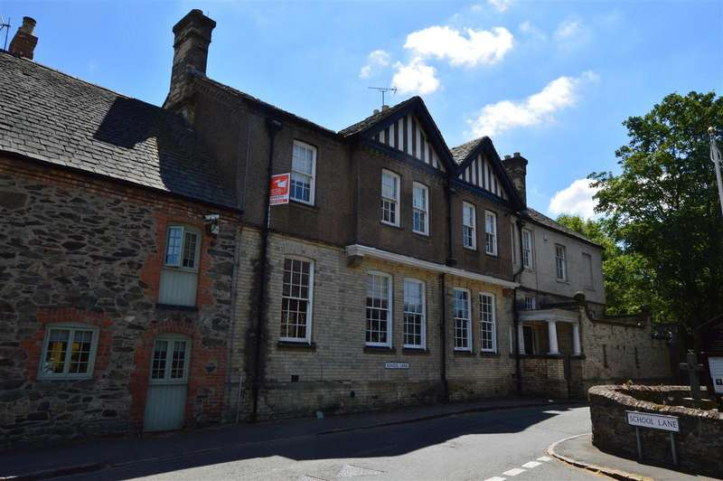 2 Bedrooms Apartment Flat for sale in Woodhouse Hall, Garats Hay, Old Woodh...