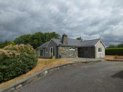 3 Bedrooms Bungalow for sale in Minffordd, Penrhyndeudraeth, Porthmadog, LL48