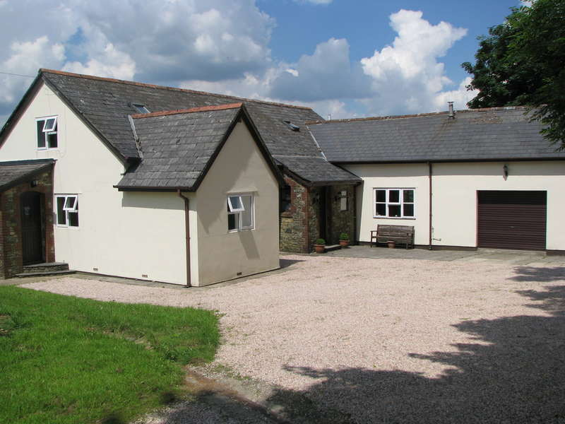 3 Bedrooms Detached House for sale in Harbourneford