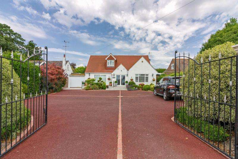 5 Bedrooms Bungalow for sale in West Street, Lancing