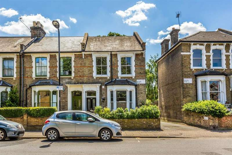 3 Bedrooms Semi Detached House for sale in Brooke Road, London