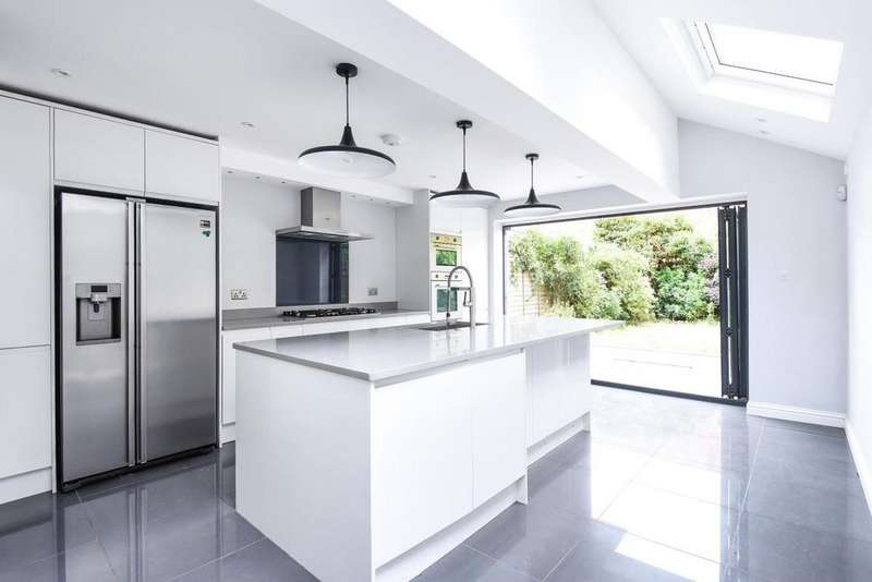 4 Bedrooms Terraced House for sale in Nutbrook Street, Peckham Rye